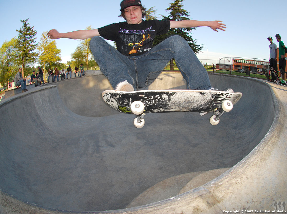 Chris Nukala - FS No-hand Air over Stairs @ Glenhaven