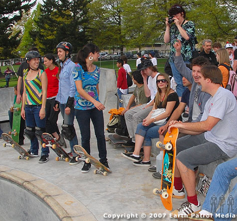 Crowd and Skaters @ Glenhaven
