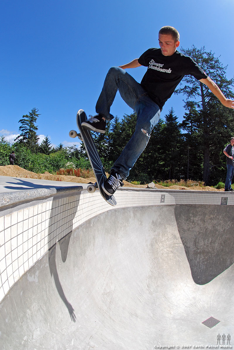 Shane - Blunt to Fakie Rock @ Lincoln City