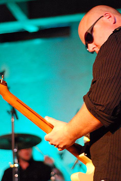 Francis Black - Frank and drummer @ Doug Fir