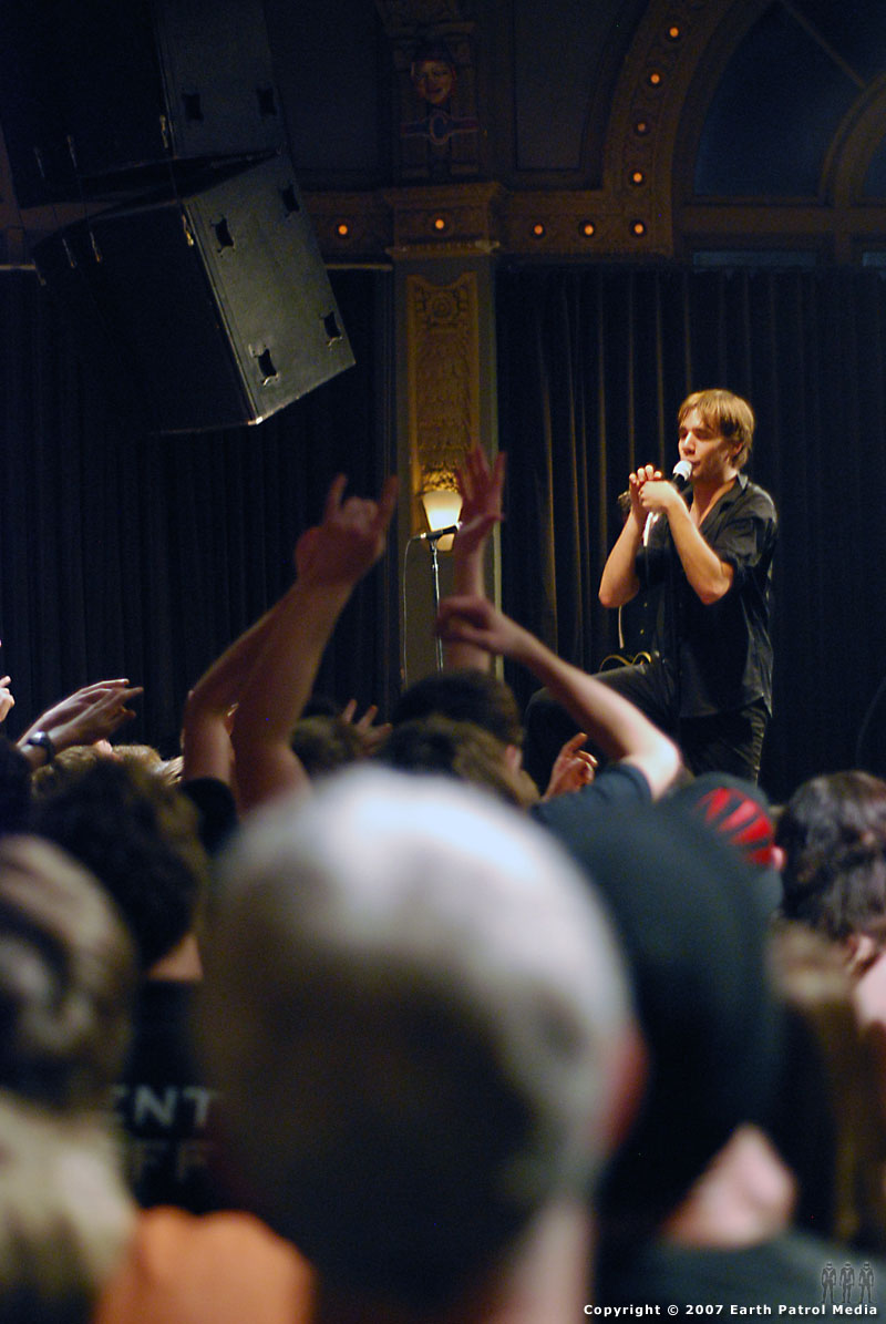 The Hives - Pic 13 @ The Crystal Ballroom
