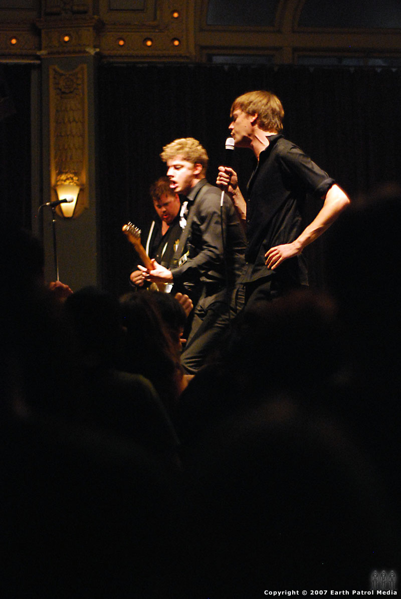 The Hives - Pic 16 @ The Crystal Ballroom