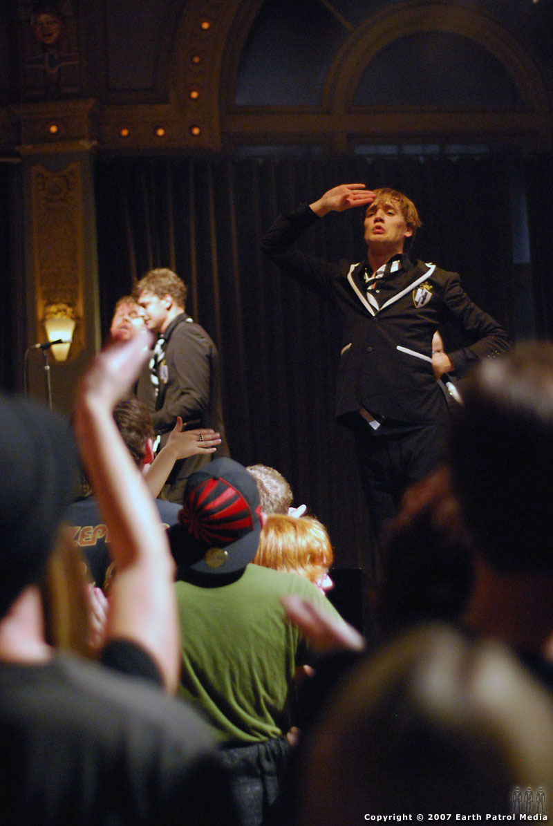 The Hives - Pic 4 @ The Crystal Ballroom