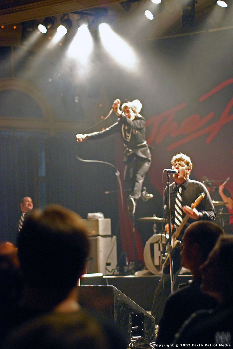 The Hives - Pic 5 @ The Crystal Ballroom