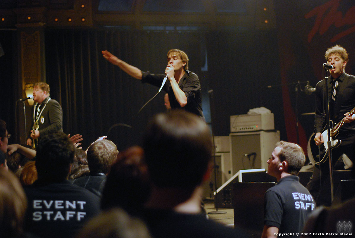 The Hives - Pic 8 @ The Crystal Ballroom